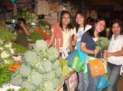 Public Market. Mitch, Madz, Rem at Aling Tindera. Fresh na fresh.